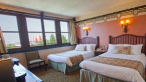 Sequoia Lodge Golden Forest Lake View Room, Disneyland Hotel Photo Credit: Disneylandparis.com